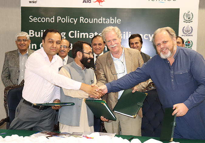 handover of Community based flood early warning systems
