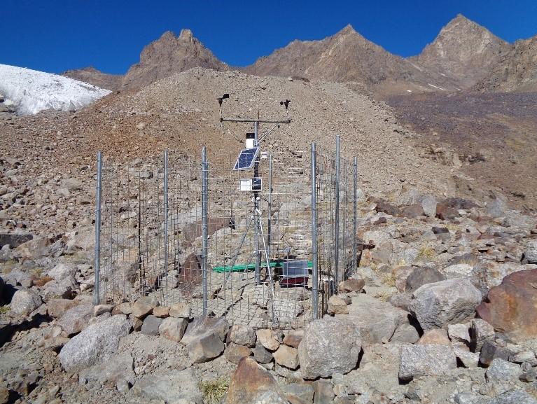 The Pir-Yakh Glacier AWS station (4,528 masl)