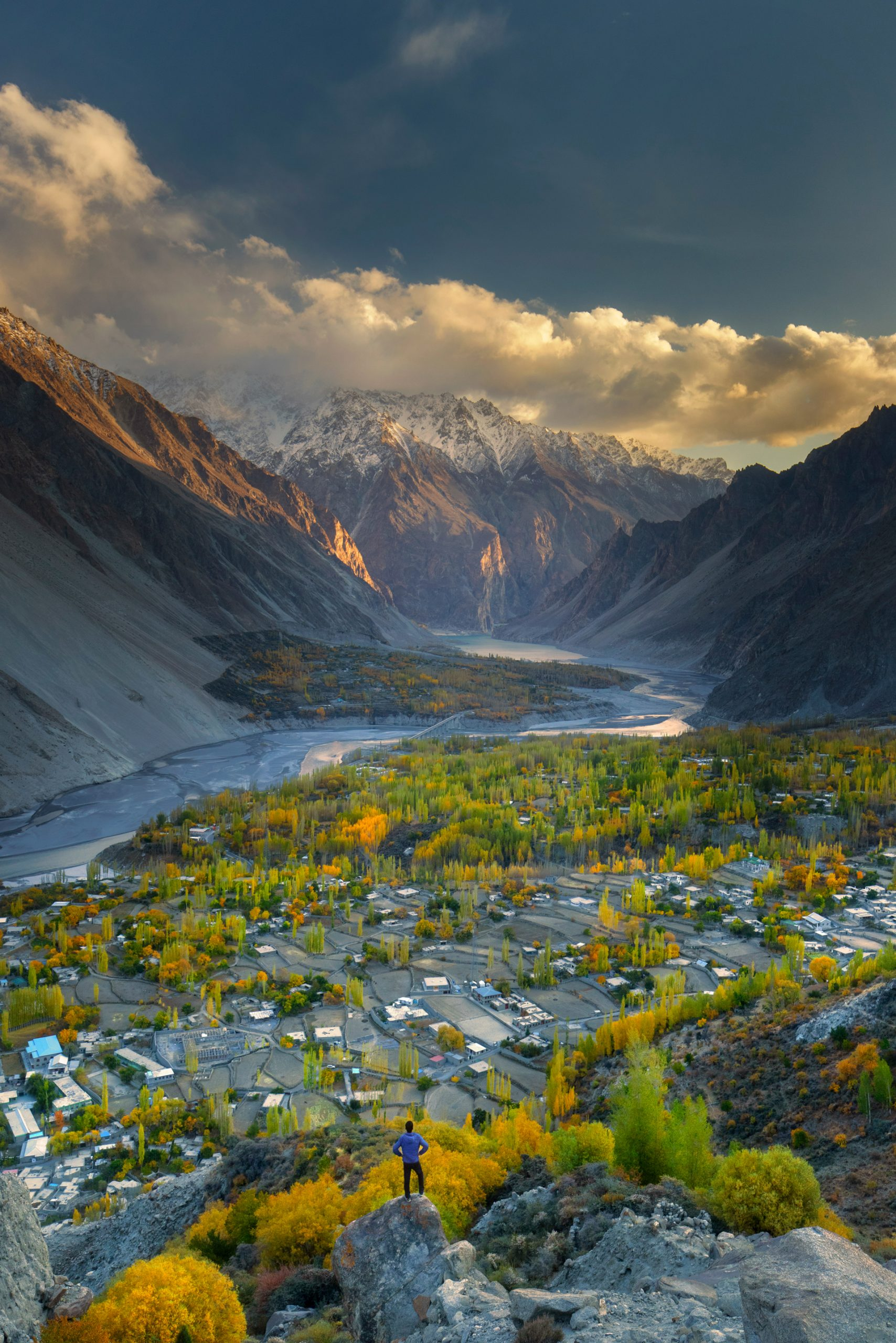 Autumn colours in Gul-e-Gulmit, as seen from Ondra Fort