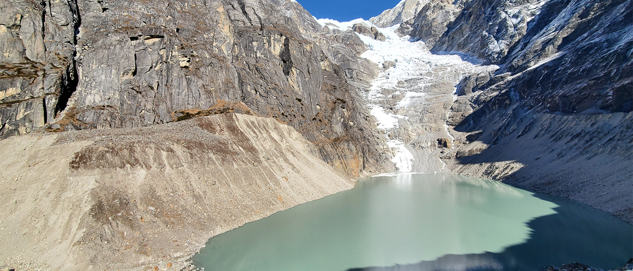 Keeping track of glacial lakes