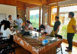 Experiencing value-added tourism
